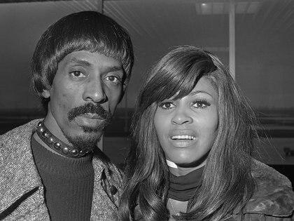 La carrera de Tina Turner estaba ligada a Ike, su esposo abusivo, y cuando se separó en 1978 pasó mucho tiempo sin pisar un escenario. Contó la historia en Yo, Tina, su debut en la escritura y la base de la película What's Love Got to Do with It (Rob Mieremet/ Nationaal Archief/ Wikipedia)