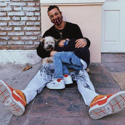 Daniel Osvaldo y su hijo, Morrison, en una foto que les tomó Jimena Barón