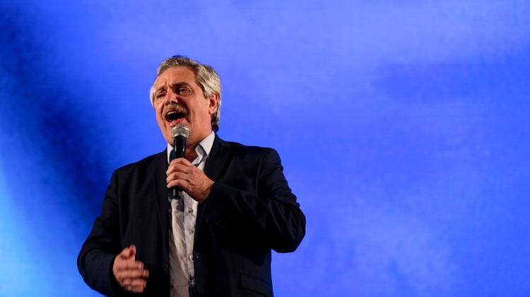 Alberto Fernández, durante su discurso en la sede del Frente de Todos