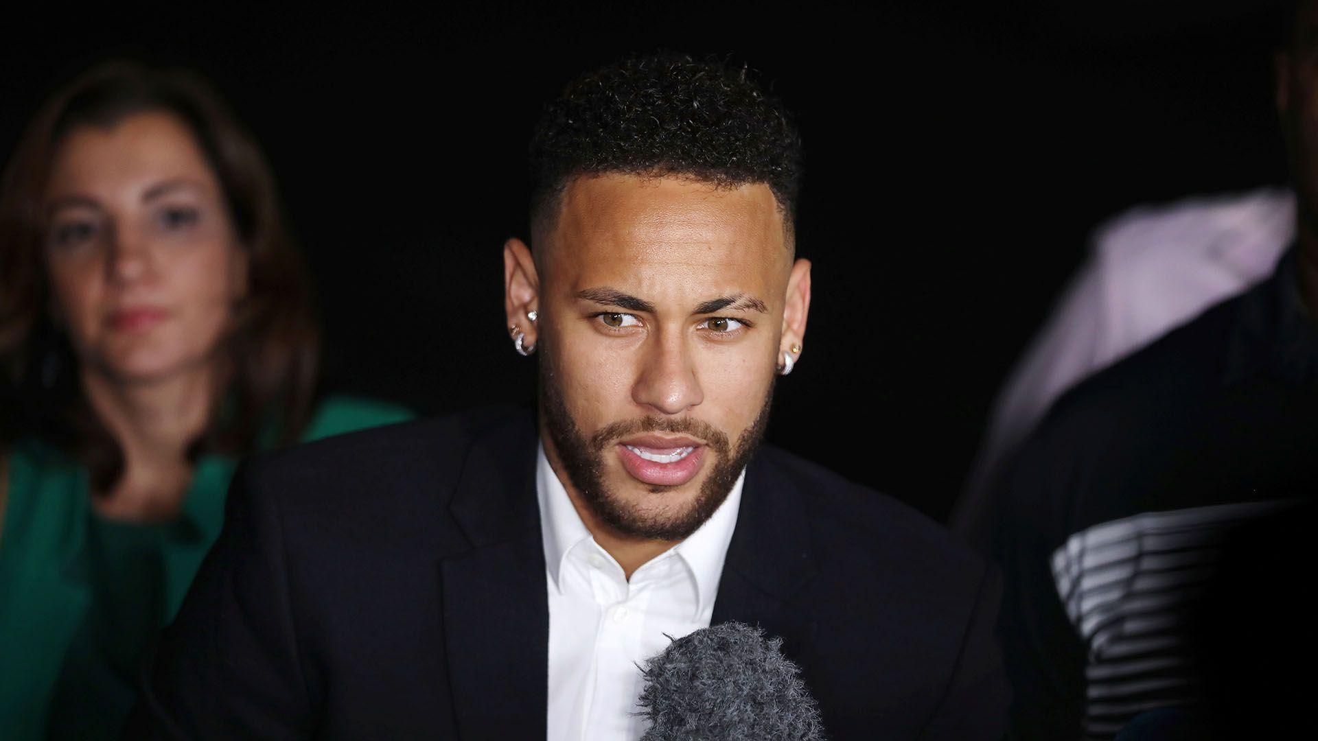 Neymar quiere irse del PSG pero el club quiere recuperar el dinero invertido en su traspaso