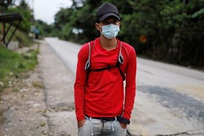 Migrante de Honduras intenta llegar a Estados Unidos (Foto: Luis Echeverria/EFE)
