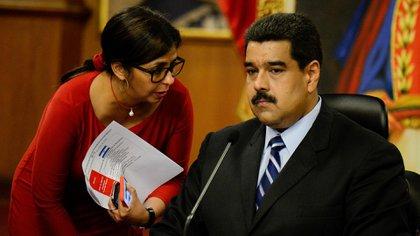 Delcy Rodríguez es una de las funcionarias más cercanas al dictador Nicolás Maduro (AFP)