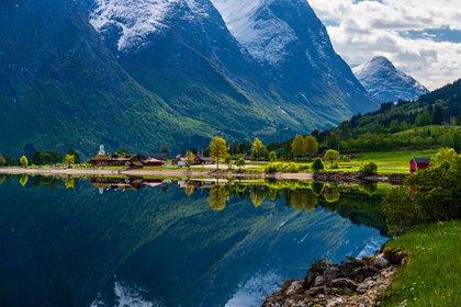 La Ruta de los Fiordos de Noruega reúne cerca de 1500 kilómetros que se extinden entre Oslo y Cabo Norte