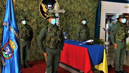 Ocho militares venezolanos y un jefe de las FARC muertos, miles de desplazados y decenas de detenidos: así va el conflicto en Apure