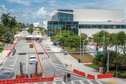 Miami abre teatros a medida que Florida baja la tasa de positivos de COVID-19 (EFE/EPA/CRISTOBAL HERRERA-ULASHKEVICH/Archivo)