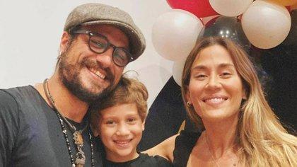 El futbolista y la cantante compartieron el acto de fin de año de jardín de su hijo en diciembre pasado y las últimas dos semanas convivieron en la casa de él (Instagram)