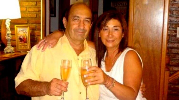 El doctor Alejandro Passarello junto a su hermana Cecilia