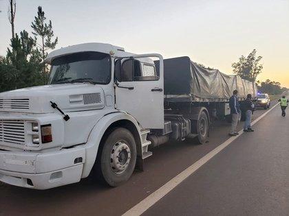 En ambos casos estuvieron involucrados camiones provenientes de Brasil, y sus respectivos conductores fueron detenidos