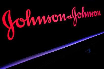 En agosto de 2020, el gobierno federal de los Estados Unidos acordó pagar a Johnson & Johnson $ 1 mil millones por 100 millones de dosis si se aprueba la vacuna (Brendan McDermid)