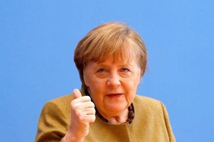 Imagen de archivo de la canciller alemana, Angela Merkel, habla durante una conferencia de prensa en Berlín, Alemania. 21 enero 2021. REUTERS/Fabrizio Bensch