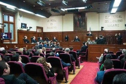 Legisladores de Morena y el Frente Unidos por la Cuarta Transformación, aseguraron que promoverían un juicio político en contra de Pérez Dayán (Foto: CUARTOSCURO.COM)