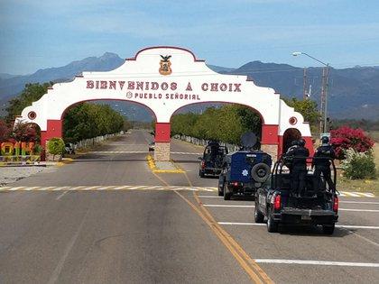 La entrada al municipio de Choix, Sinaloa (Foto: Twitter/ sspsinaloa1)