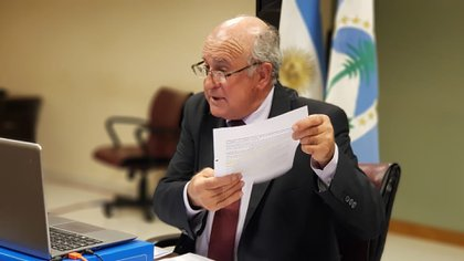 """A instancias de Oscar Parrilli, el gobierno ya había suspendido por 180 días la inscripción de nuevas sociedades """"simplificadas"""""""