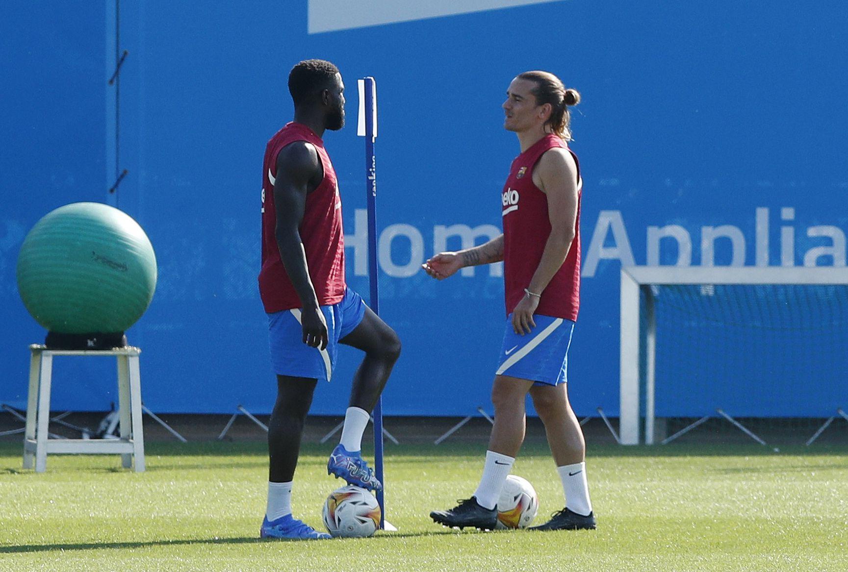 Samuel Umtiti es uno de los futbolistas que más cobra del plantel (Reuters)
