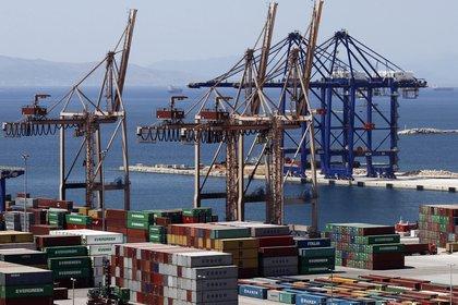 Los envíos a Brasil, primer socio comercial de Argentina, cayeron 23,4% en 2020 (EFE)