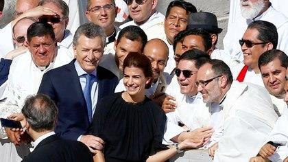 El presidente Mauricio Macri y su esposa en la ceremonia de canonización del cura Brochero en el Vaticano, octubre de 2016 (Reuters)