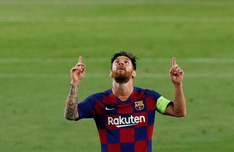 Lionel Messi, del Barcelona, festeja un gol en el partido contra el Nápoli por la Champions League, Barcelona, España, 8 de agosto de 2020. REUTERS/Albert Gea
