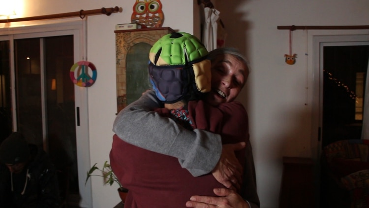 "Ella adoptó a Cristian sabiendo que tenía problemas físicos y neurológicos. ""Son siete hijos únicos"", se emociona (Thomas Khazki)"