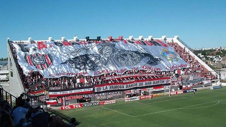 La obra de Pepe en Chacarita cubre gran parte de la tribuna popular.