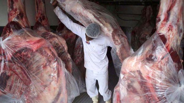 """EEUU suspendió la importación de carne vacuna de Brasil """"por seguridad sanitaria"""""""