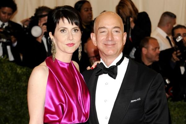 Jeff y Mackenzie Bezos. Foto: Archivo Atlántida Televisa.