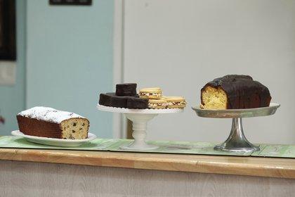 Budines, alfajores, masitas, tartaletas, croissants, scons, macarons, lemon pie, cheesecake, mini cake, entre las delicias de la casa.