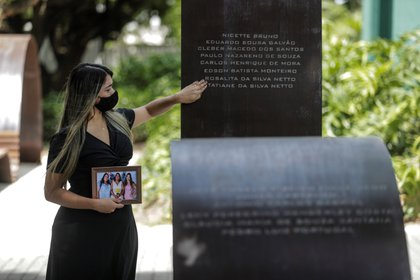 El gigante latinoamericano ya había registrado cuatro días con más de mil muertes diarias en la última semana 1.171 el martes de la semana pasada 1.242 el miércoles 1.524 el jueves y 1.171 el sábado. EFE  Antonio Lacerda  Archivo