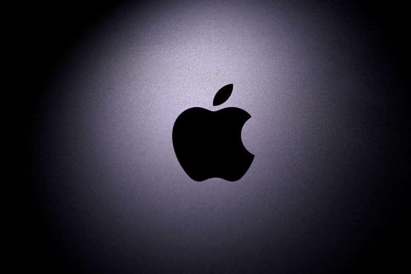 Foto de archivo del logo de Apple.  Abril 12, 2020. REUTERS/Dado Ruvic