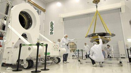 Entre las organizaciones que conforman la plataforma Vintecar 4.0 está la empresa ARSAT que, con la UVT-INVAP, desarrollan los satélites ARSAT 1 y 2.  Foto: Gentileza CEDyAT.