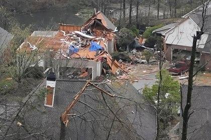Una casa afectada por las tormentas en Alabama