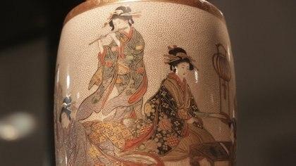 Detalle de un vaso, manufactura Satsuma, del siglo XIX (porcelana y esmalte). Foto: Lihueel Althabe