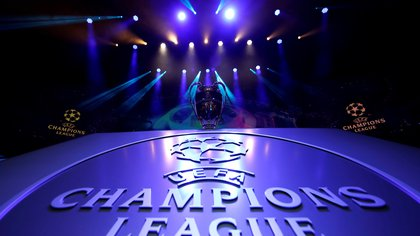 FILE PHOTO: Soccer Football - Champions League Group Stage draw - Grimaldi Forum, Monaco - August 29, 2019   General view of the Champions League trophy on display before the draw   REUTERS/Eric Gaillard/File Photo