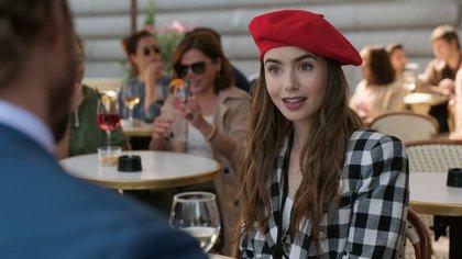 """Netflix confirmó una segunda temporada de """"Emily in Paris"""" con Lily Collins"""