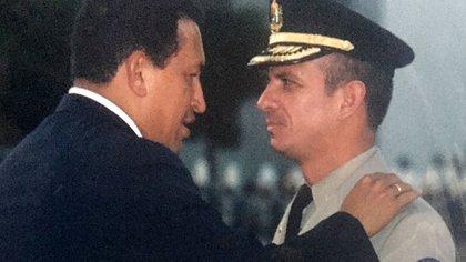 Hugo Carvajal fue un hombre de extrema confianza de Hugo Chávez por dos décadas