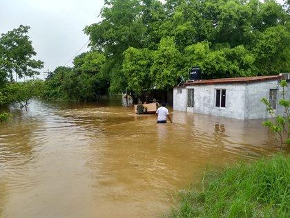 Los efectos de la tormenta tropical en Campeche. (Foto: Twitter)