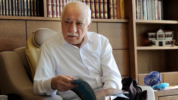 Fethullah Gülen, a quien Erdogan acusa por el golpe (Reuters)