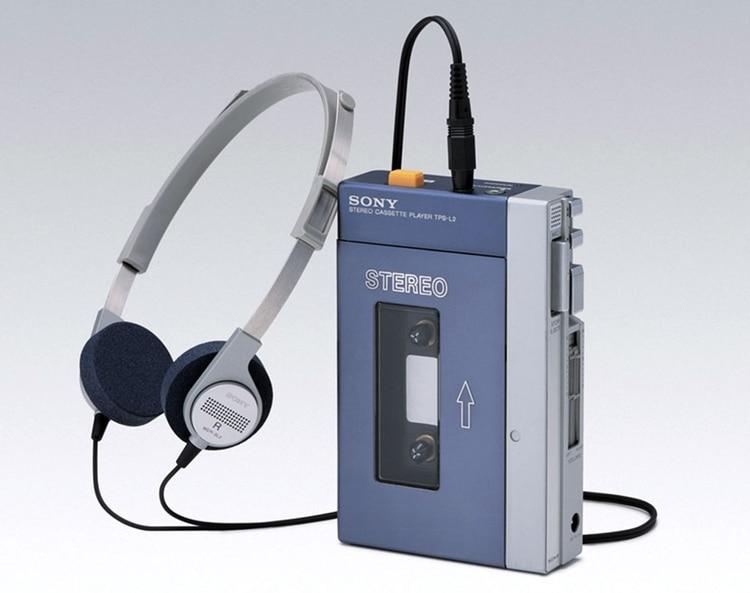 Así era el primer walkman que se lanzó al mercado, el 1 de julio de 1979: se trata del modelo Sony TPS-L2