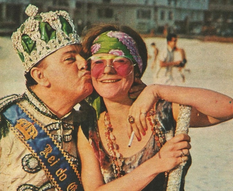 """Janis y el """"Rei Momo"""" en las playas de Río"""