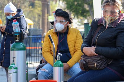 The increase in the demand for medicinal oxygen, as well as for tanks, also increased prices and shortages (Photo: José Pazos / EFE)