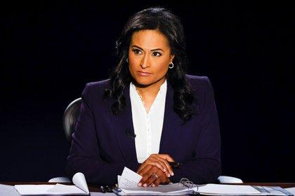 La moderadora Kirsten Welker, de NBC, recibió más elogios que los candidatos, incluso del propio Trump, que ya la había criticado con anterioridad (EFE/ EPA/ Jim Bourg)