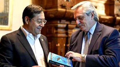 Luis Arce junto al presidente Alberto Fernández, en febrero