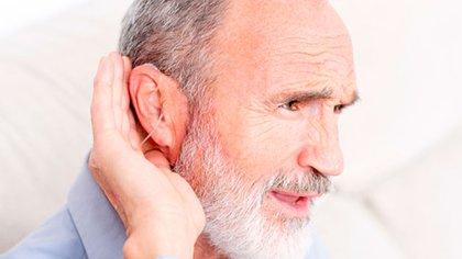 El uso de audífonos suele estar condicionado por causas de tipo social, por eso mucha gente no los utiliza (iStock)