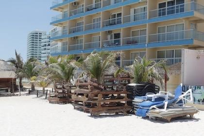 La suspensión de servicios en hoteles podría reactivarse el 30 de abril (Foto: Reuters /Jorge Delgado)