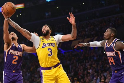 Anthony Davis, máximo goleador en el triunfo de los Lakers ante los Suns (Gary A. Vasquez-USA TODAY Sports)