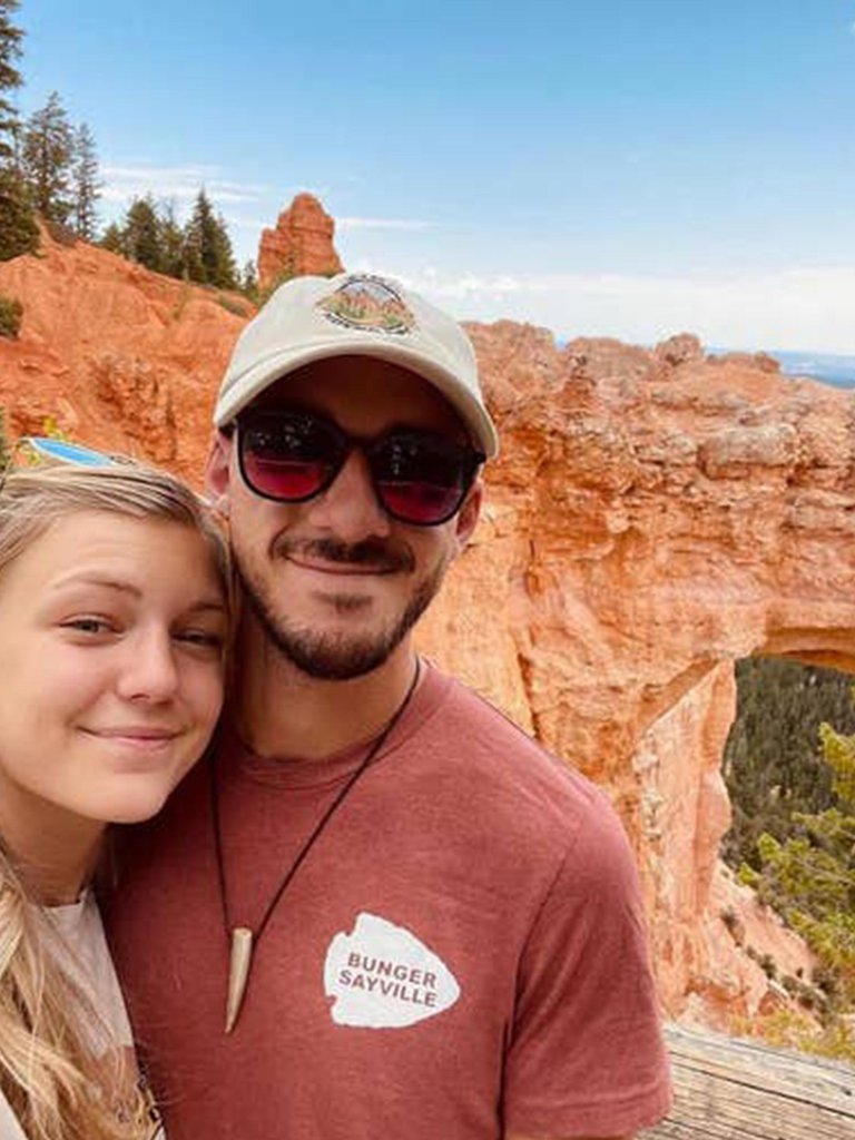 Crece la conmoción en Estados Unidos: la policía investiga un posible  vínculo entre un doble homicidio y la desaparición de Gabby Petito -  Repretel