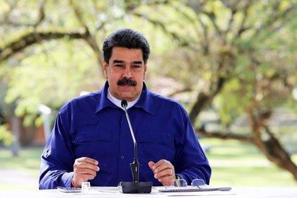 Fotografía cedida por prensa Miraflores que muestra a Nicolás Maduro mientras ofrece declaraciones en Caracas (EFE/ Prensa De Miraflores)