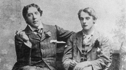 Se rumoreaba en la ciudad que Alfred Douglas, mantenía una relación con Wilde.