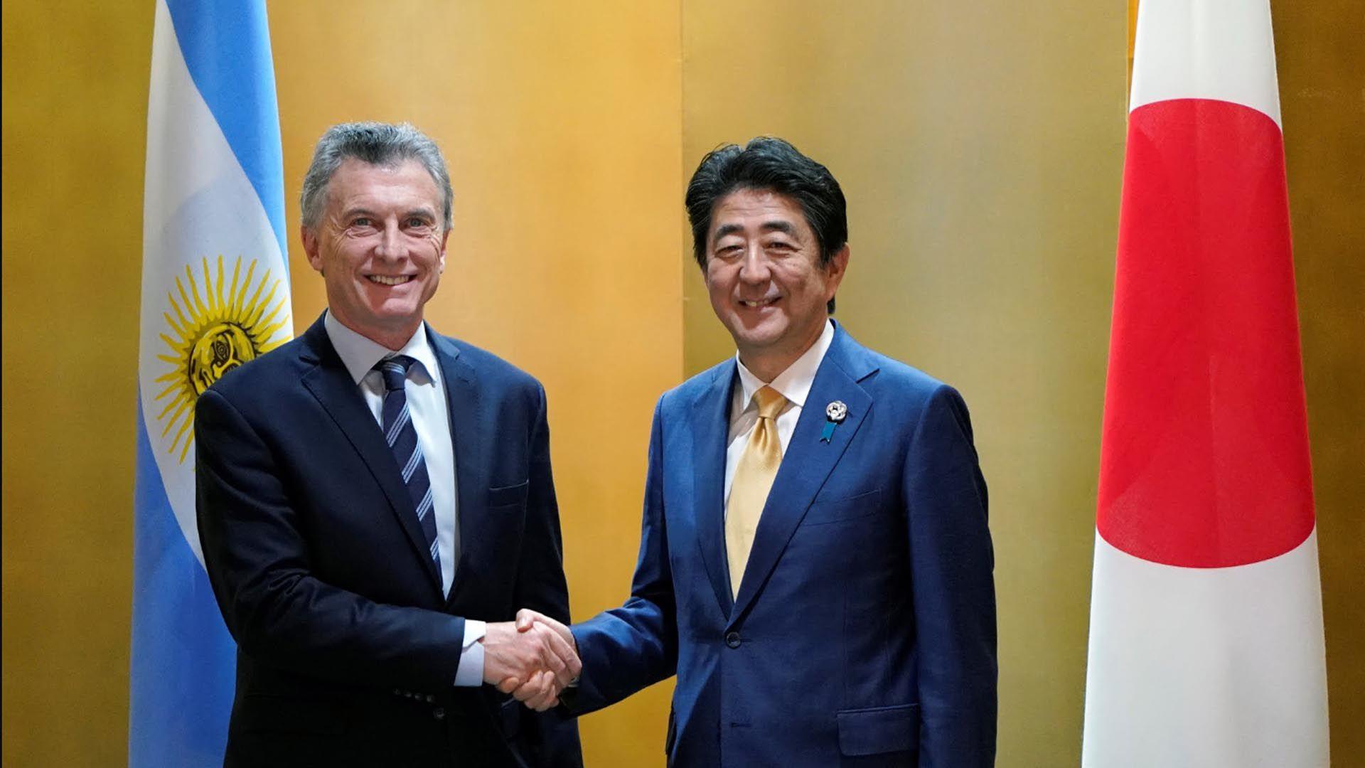 Mauricio Macri con el primer ministro de Japón, Shinzo Abe, en Japón