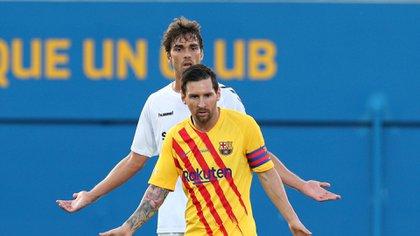 Messi fue el capitán del equipo en el primer amistoso de la temporada (Foto: Reuters)