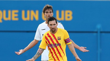 El jugador del Nastic tuvo un cruce con Lionel Messi - REUTERS/Albert Gea